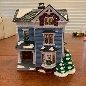 Department 56 Holiday - Glenhaven House